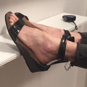 Naot Women's Pixie Wedge Sandal sz 40 = 8.5M